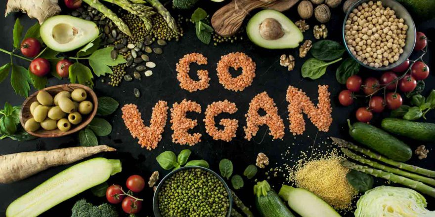 i vegani perdono peso mangiando legumita